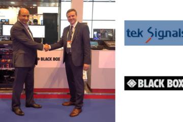 Da sinistra a destra: l'amministratore delegato di Tek Signals Tariq Raja MD Tek e Hans-Peter Kuhnert VP delle Vendite EMEA di Black Box.